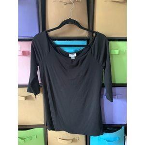 Black Off-the-shoulder 3/4 sleeve Tee